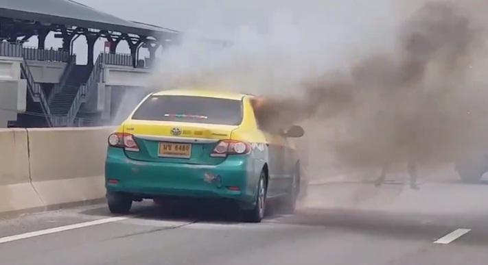 เหตุเพลิงไหม้รถ บนโทลล์เวย์