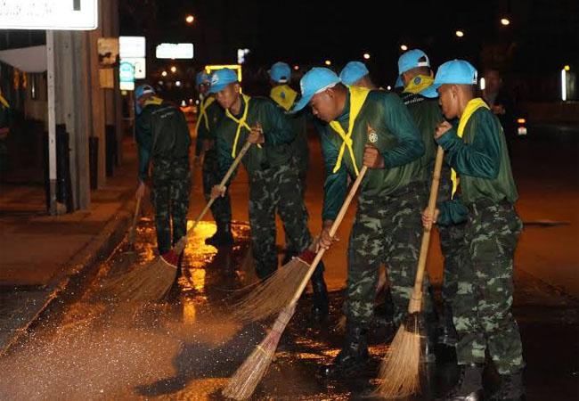 หน่วยงานทหารจะดำเนินการ การล้างถนน เพื่อลดฝุ่น